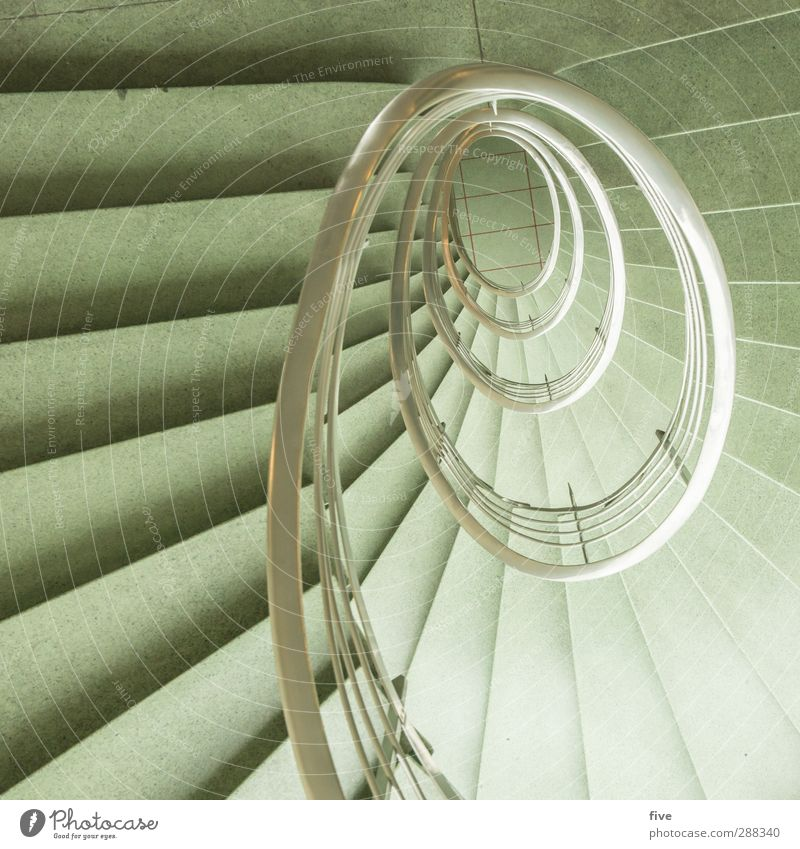 5. Stock Stadt Haus Hochhaus Bauwerk Gebäude Architektur Treppe ästhetisch außergewöhnlich elegant hell retro rund grün Geländer Treppengeländer silber Oval