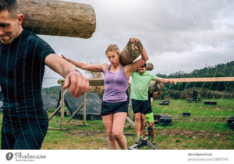 Gruppentragetaschen Zufriedenheit Sport Mensch Frau Erwachsene Mann Menschengruppe tragen authentisch stark Kraft anstrengen Konkurrenz Gleichgewichtsübung