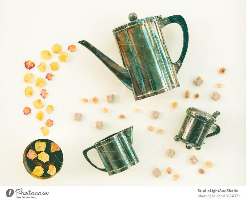 Farbe grün weiß Blume gelb hell Metall retro Getränk Tee Geruch Zucker Blütenblatt horizontal aromatisch Kulisse