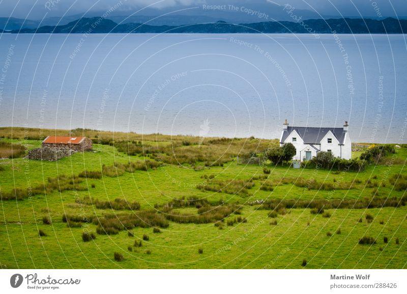 Haus am See Ferien & Urlaub & Reisen Ausflug Ferne Freiheit Natur Landschaft Wiese Küste Großbritannien Schottland Europa Einsamkeit Horizont ruhig Farbfoto