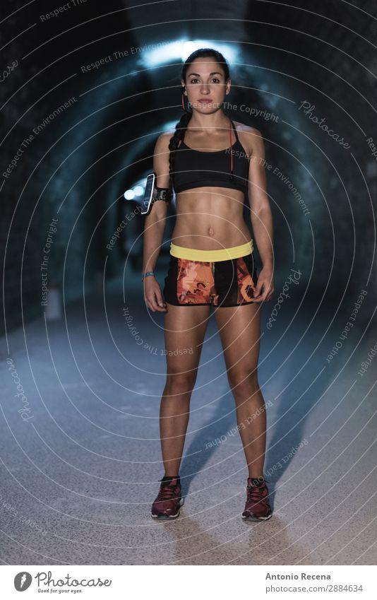Tunnelmädchen Lifestyle Sport Fitness Sport-Training Mensch Frau Erwachsene 1 Natur Park brünett Stollen jung Läufer Menschen Gesundheit passen Athlet Aktion