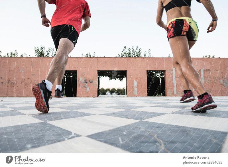 Anonyme LäuferInnen Sport Fitness Sport-Training Sportler Mensch Junge Frau Jugendliche Junger Mann Erwachsene Beine 2 18-30 Jahre rennen sportlich muskulös