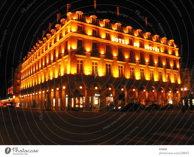 Hotel de Louvre Licht Lampe Nacht Paris schwarz Abenddämmerung Romantik Europa Beleuchtung