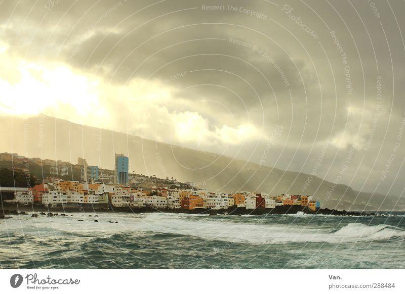 Puerto de la Cruz Ferien & Urlaub & Reisen Umwelt Wasser Himmel Wolken Unwetter Hügel Wellen Küste Meer Atlantik Teneriffa Skyline Haus Hochhaus bedrohlich