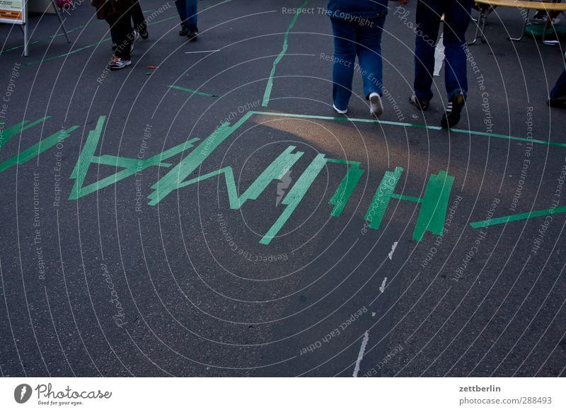 HUMAN Beine Fuß Verkehrswege Straße Wege & Pfade Zeichen Schriftzeichen Denken gehen Moral protestieren Demonstration Menschlichkeit Aktion protestaktion