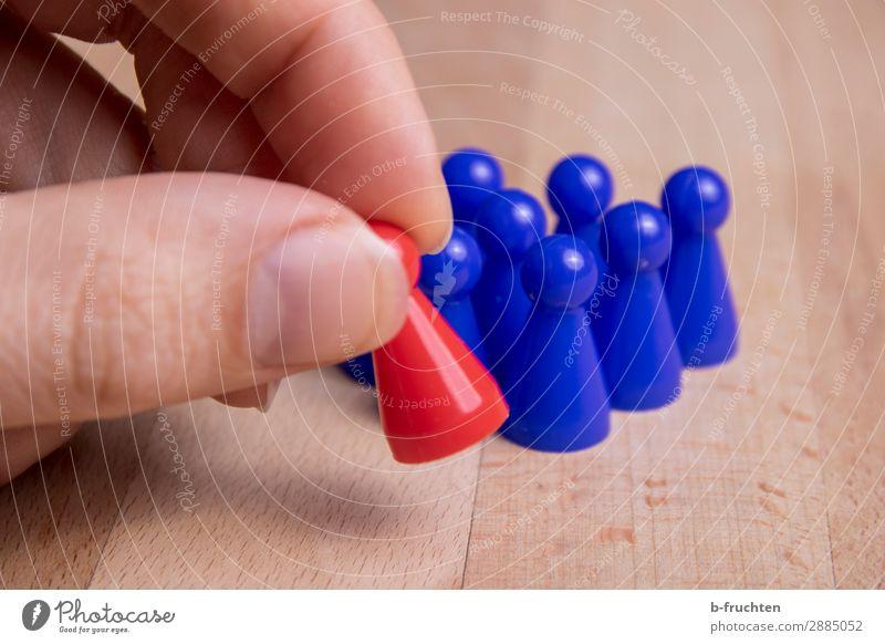 Spielfiguren blau rot Business Spielen Menschengruppe Freizeit & Hobby Kommunizieren Erfolg Beginn Finger einzigartig Zeichen berühren festhalten Team