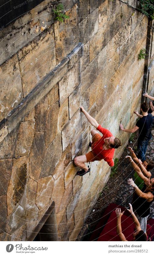 BOULDER Mensch Jugendliche Stadt Freude Erwachsene Junger Mann Sport Mauer Stil 18-30 Jahre maskulin Freizeit & Hobby elegant Lifestyle Klettern sportlich