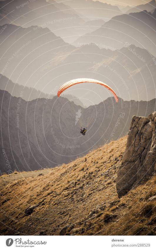 Just did it. Mensch Natur Ferien & Urlaub & Reisen Landschaft Umwelt Ferne Berge u. Gebirge Sport Freiheit Stil fliegen maskulin Freizeit & Hobby Zufriedenheit