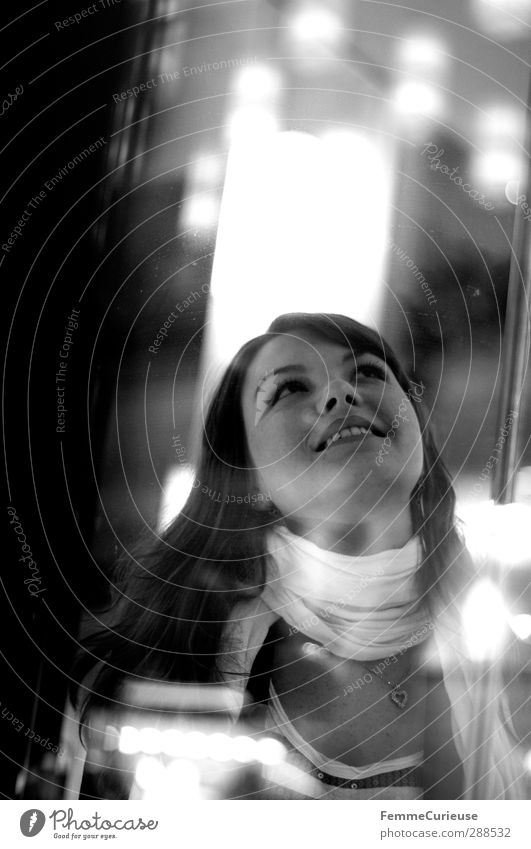 Simply her (I). Mensch Frau Jugendliche schön weiß Freude Erwachsene Junge Frau feminin lachen Glück 18-30 Jahre Beleuchtung Lampe Freizeit & Hobby Zufriedenheit