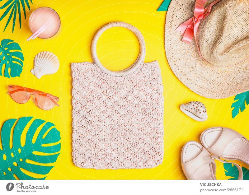 Sommer weibliches Outfit Ferien & Urlaub & Reisen Natur schön Strand Hintergrundbild gelb Stil Design Schuhe Bekleidung Sommerurlaub Hut Sonnenbrille Tasche
