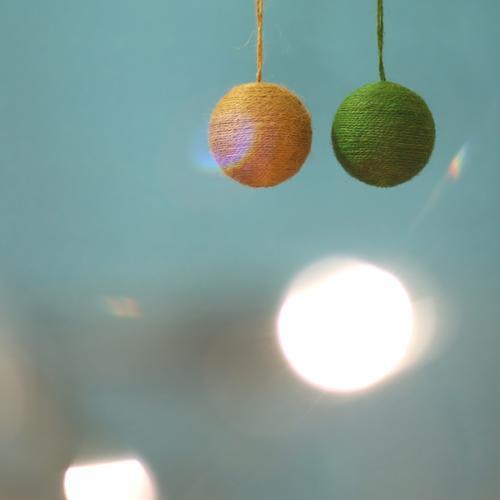 meine zwei kugeln. Weihnachten & Advent blau grün Feste & Feiern leuchten Dekoration & Verzierung rund Stoff hängen Christbaumkugel Weihnachtsdekoration