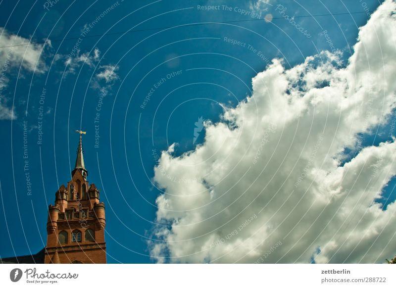 Rathaus Steglitz Himmel schön Stadt Sommer Sonne Wolken Berlin Architektur Gebäude Kirche Dach Turm Spitze gut Burg oder Schloss Bauwerk
