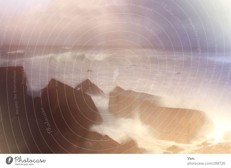 Aus der Sicht eines betrunkenen Seemanns Natur Landschaft Himmel Felsen Wellen Küste Meer Atlantik Stein Beton violett Farbfoto Gedeckte Farben Außenaufnahme