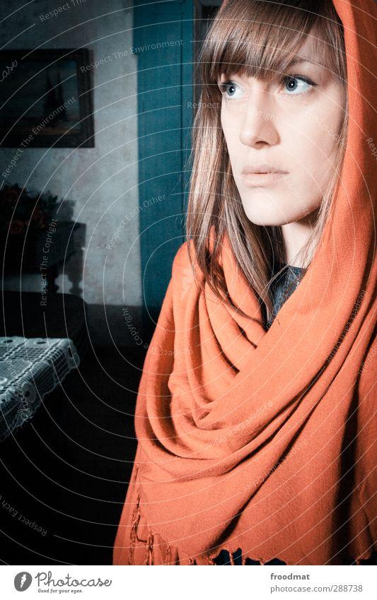 gut betucht Mensch feminin Junge Frau Jugendliche Erwachsene 1 Kopftuch brünett blond langhaarig schön seriös Erotik Vorsicht geduldig ruhig Selbstbeherrschung