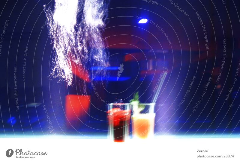 Lounge Cocktail Wasser blau Farbe Alkohol Cocktail Foyer Luftblase