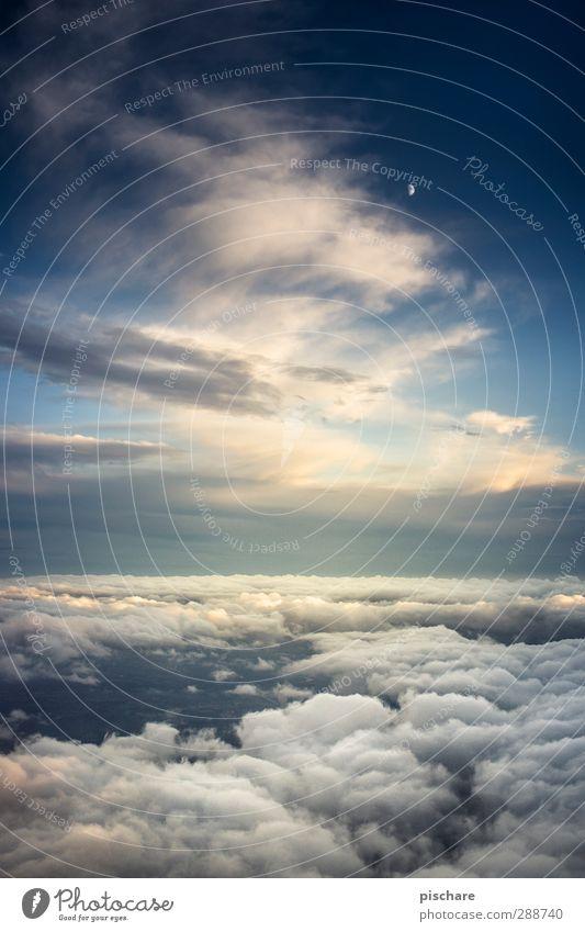 fly me to the moon (klitzeklein) Himmel Wolken Nachthimmel Sonnenaufgang Sonnenuntergang Mond fliegen außergewöhnlich Unendlichkeit hoch weich blau Lebensfreude