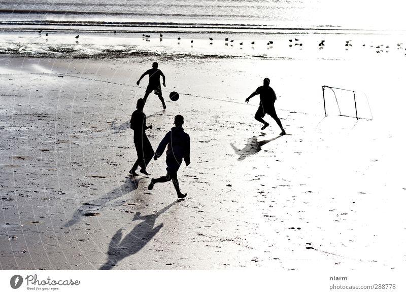 Mövenkick Kind Jugendliche Ferien & Urlaub & Reisen Wasser Meer Freude Strand Junger Mann Bewegung Freiheit Fuß Freundschaft Kraft Freizeit & Hobby Fußball