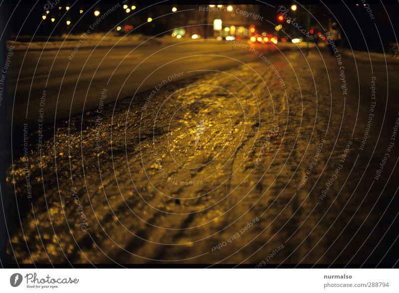 Winter 14122012 Stadt dunkel Umwelt Straße Leben Schnee Kunst träumen Stimmung Eis glänzend Verkehr trist Lifestyle Klima