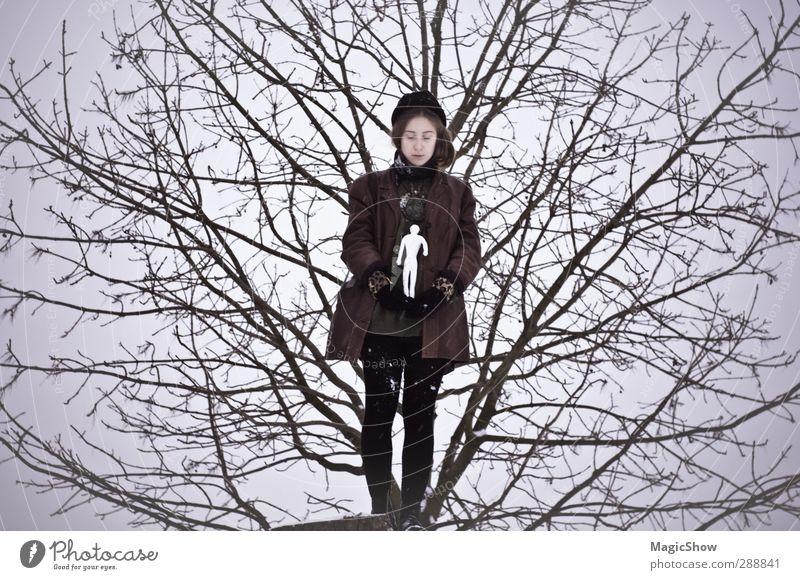 We are all part of nature Mensch Himmel Natur weiß Mädchen Einsamkeit Winter kalt Leben Traurigkeit Denken träumen Kunst Ast Baumstamm Baumkrone