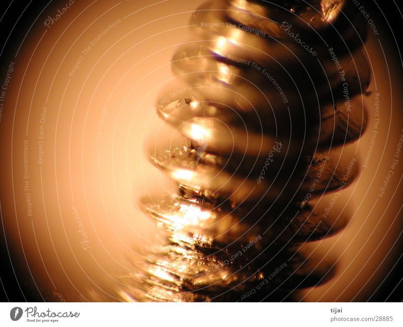 wackelmakroschraube Schraube braun Unschärfe Glanzlicht Makroaufnahme Nahaufnahme Detailaufnahme Metall freihand Reaktionen u. Effekte