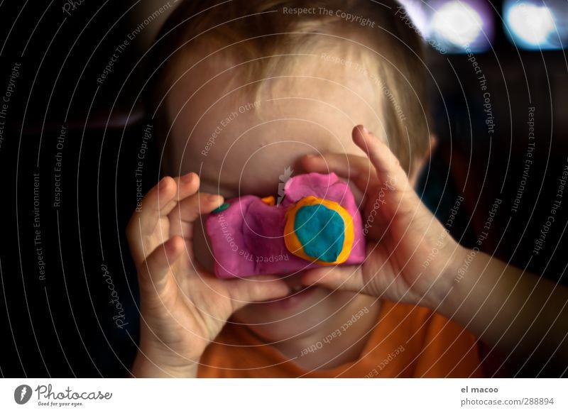 say cheese Spielen Basteln Kneten Kinderzimmer Fotokamera Mensch maskulin Kindheit Kopf Gesicht Hand Finger 1 1-3 Jahre Kleinkind beobachten Glück einzigartig