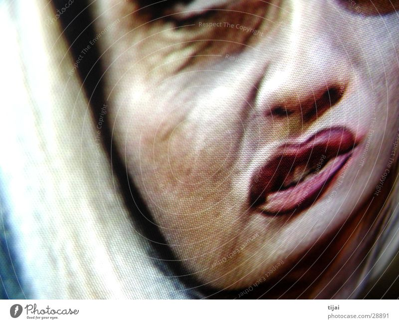 tv makes the superstar Frau Gesicht blond Fernsehen Verzerrung Alptraum Bildschirmfoto