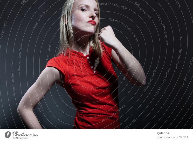 Stark ey! Mensch Jugendliche schön rot Erwachsene Junge Frau Leben Sport 18-30 Jahre Kraft Erfolg Macht bedrohlich Fitness Bildung Risiko