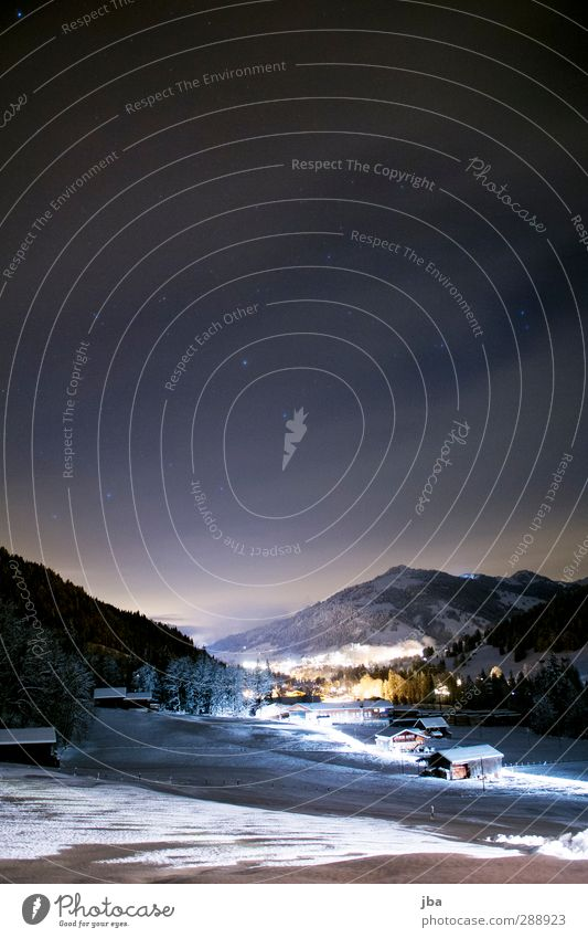 Winternacht Himmel Natur Wolken ruhig Landschaft Erholung Haus Wald Berge u. Gebirge kalt Schnee Luft wandern Tourismus Schönes Wetter