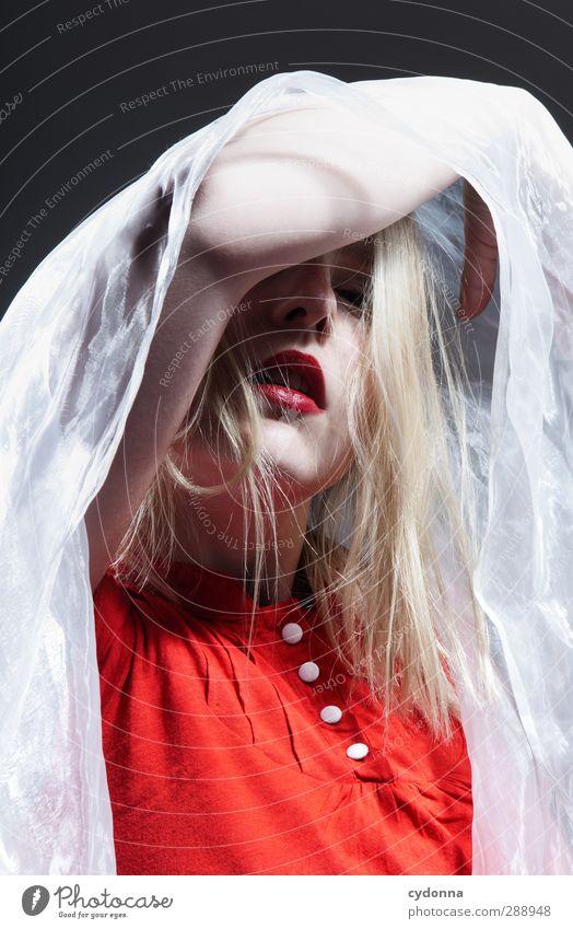 Red elegant schön Haare & Frisuren Gesicht Lippenstift Mensch Junge Frau Jugendliche 18-30 Jahre Erwachsene ästhetisch einzigartig Erotik Erwartung Farbe