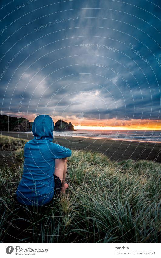 Goodbye Landschaft Wolken Sommer Wellen Küste Strand Meer Tasmanische See genießen Blick sitzen Unendlichkeit schön Zufriedenheit ruhig Sehnsucht Heimweh
