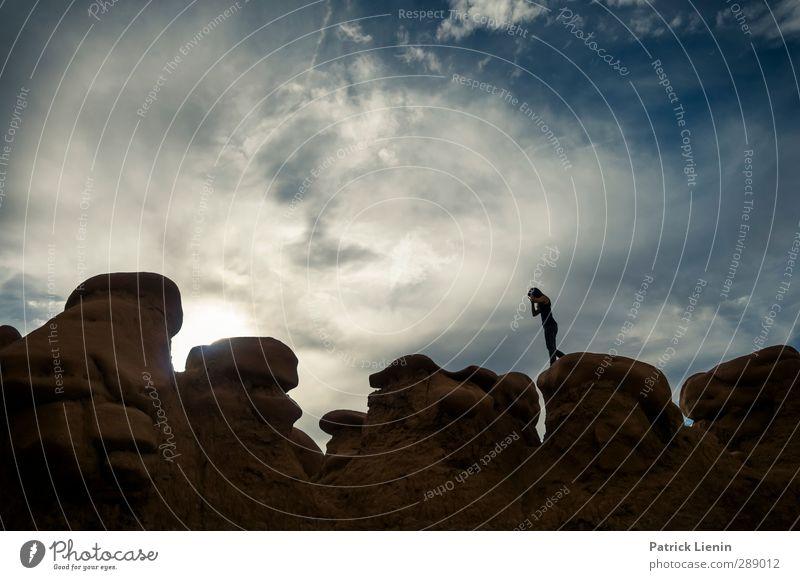 Dreh dich nicht um Mensch Frau Himmel Natur Jugendliche Ferien & Urlaub & Reisen Sommer Wolken ruhig Landschaft Erholung Erwachsene Junge Frau Umwelt feminin