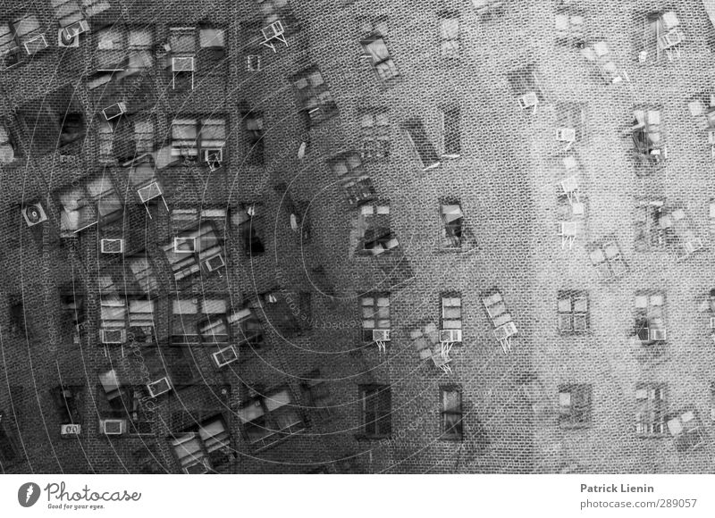 Mitbewohner gesucht Stadt Stadtzentrum Skyline bevölkert Hochhaus Bauwerk Gebäude Architektur Mauer Wand Fassade Balkon Fenster Abenteuer ästhetisch