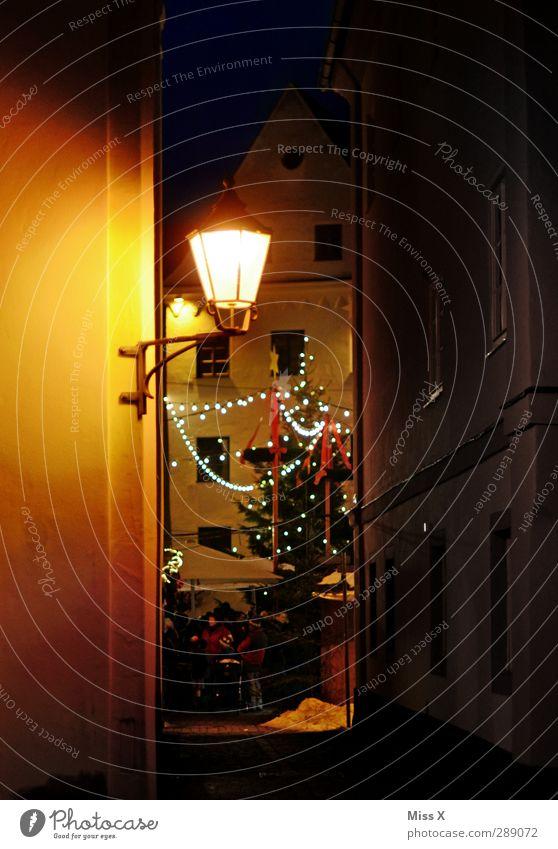 Weihnachtsmarkt Weihnachten & Advent Baum Winter Feste & Feiern Stimmung leuchten Weihnachtsbaum Straßenbeleuchtung Menschenmenge Stadtzentrum Marktplatz