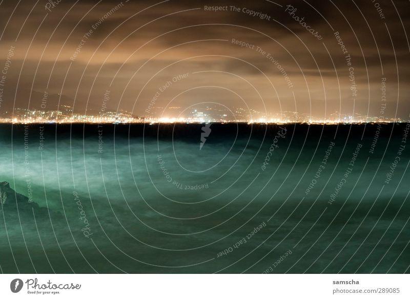dunkle Tiefen I Natur Ferien & Urlaub & Reisen Wasser Meer Wolken Landschaft Ferne Umwelt dunkel kalt Küste Horizont Wellen wild nass bedrohlich