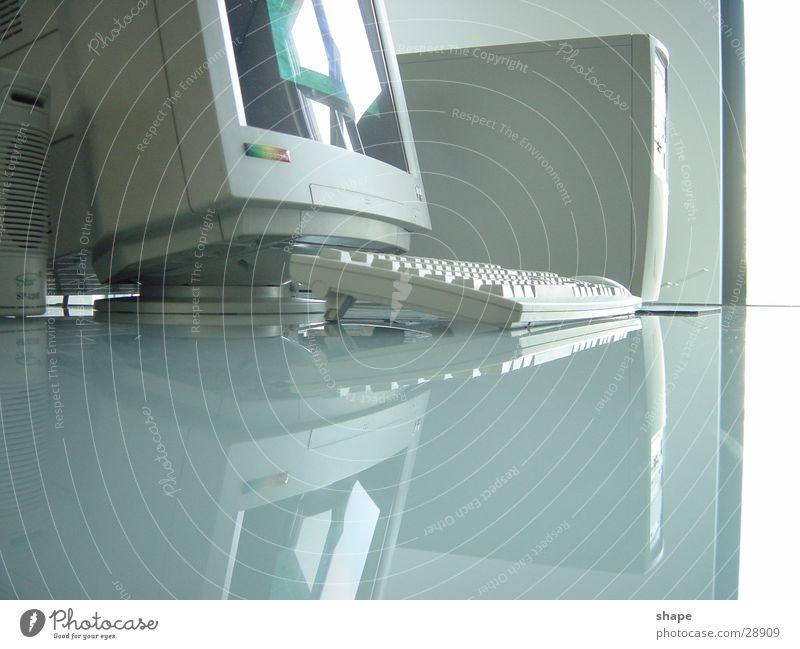 office_01 alt weiß Business hell Arbeit & Erwerbstätigkeit Büro Ordnung Glas Technik & Technologie Tisch Computer Schreibtisch Informationstechnologie Arbeitsplatz Tastatur Bildschirm