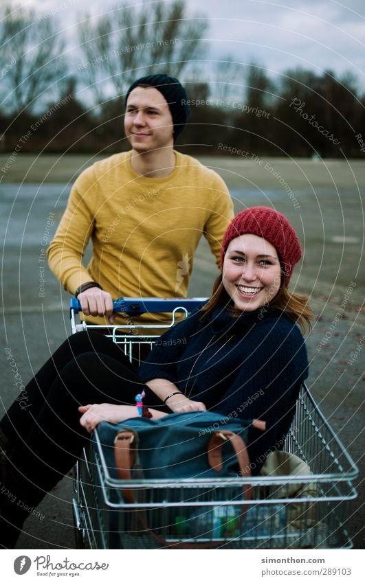 Glück Mensch Jugendliche Freude Erwachsene Junge Frau Liebe Leben Junger Mann Stil 18-30 Jahre Paar Familie & Verwandtschaft Freundschaft Zusammensein