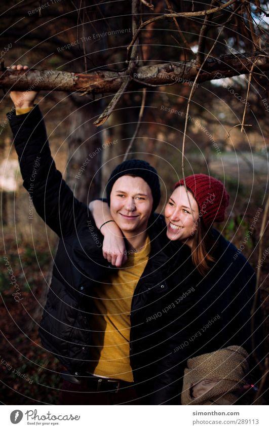 Glück Mensch Natur Jugendliche Freude Erwachsene Junge Frau Liebe Leben Junger Mann Gefühle 18-30 Jahre Paar Familie & Verwandtschaft Freundschaft Zusammensein