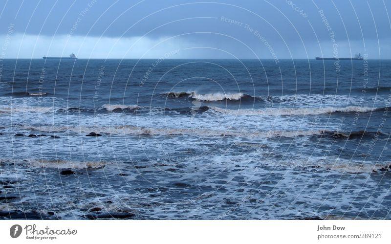 twinish I Himmel blau Meer Wolken Ferne kalt Freiheit Küste Horizont Wasserfahrzeug Wellen paarweise Ausflug Hoffnung Schifffahrt Sturm