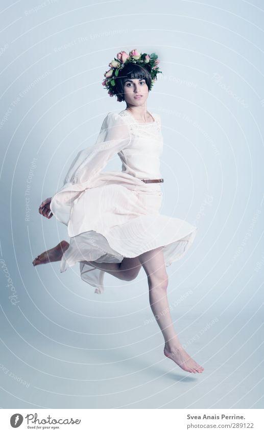 austausch. Mensch Jugendliche schön Blume Erwachsene Junge Frau Haare & Frisuren Frühling Blüte 18-30 Jahre springen Beine Mode Fuß träumen Körper