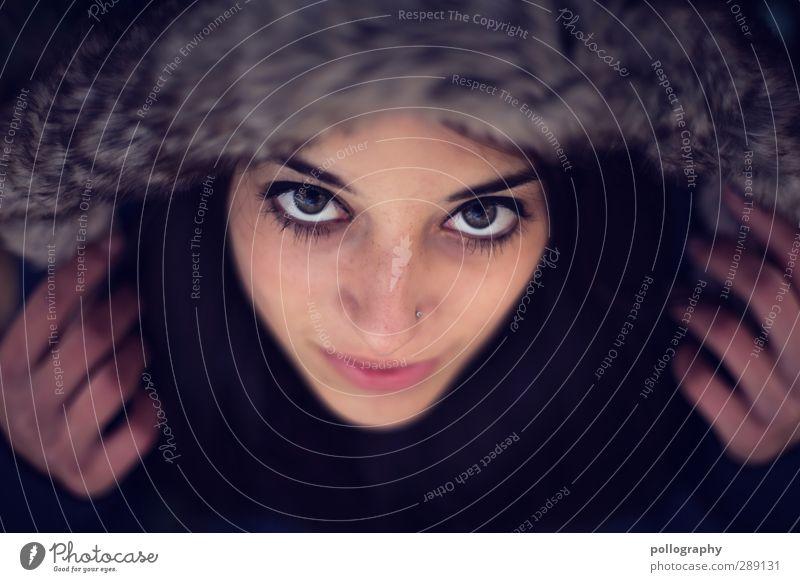 be smart (4) Mensch feminin Junge Frau Jugendliche Erwachsene Leben Kopf 1 18-30 Jahre Schönes Wetter Mütze Kapuzenjacke Gefühle Stimmung Glück Fröhlichkeit