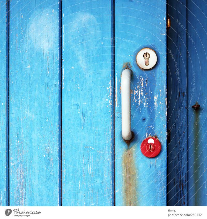 Entlastungsplätzchen Ferien & Urlaub & Reisen Tourismus Toilette Griff Schloss Tür Holz Kunststoff dreckig Duft einfach trashig blau rot weiß erleben
