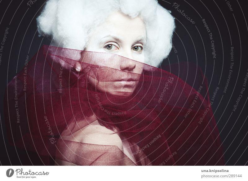 una.antoinette elegant Junge Frau Jugendliche 1 Mensch 18-30 Jahre Erwachsene Kragen Ohrringe Haare & Frisuren weißhaarig Perücke beobachten träumen