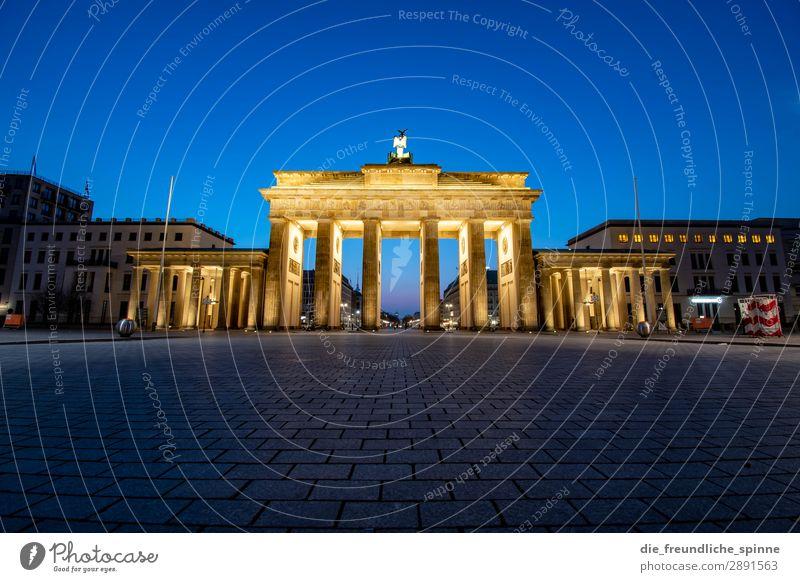 Sonnenaufgang am Brandenburger Tor Berlin Architektur Hauptstadt historisch Himmel Deutschland Wahrzeichen Tourismus Farbfoto Bauwerk Außenaufnahme