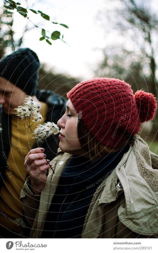 Duft Mensch Jugendliche schön ruhig Erholung Erwachsene Junge Frau Liebe Leben Junger Mann feminin Glück 18-30 Jahre Paar Gesundheit Familie & Verwandtschaft