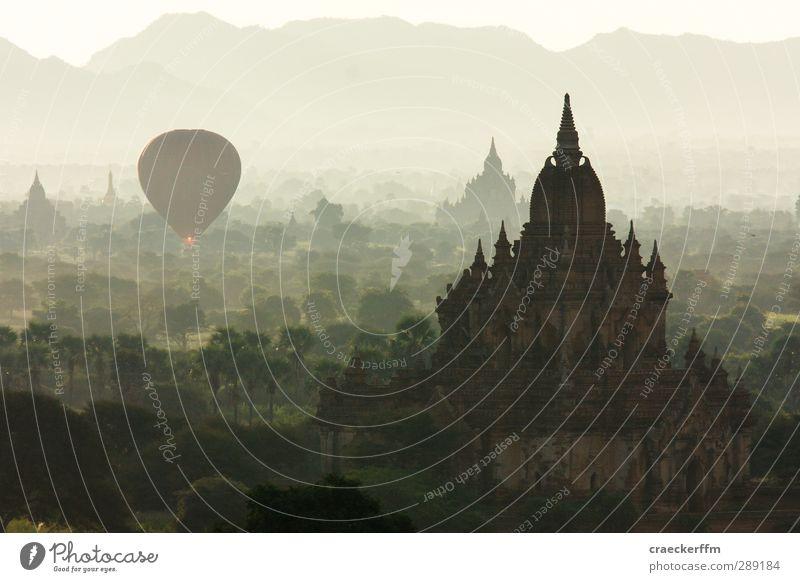 Bagan 2 Ferien & Urlaub & Reisen alt Sommer Sonne Landschaft Erholung Ferne Freiheit außergewöhnlich Nebel Tourismus Schönes Wetter Abenteuer ästhetisch beobachten Hügel
