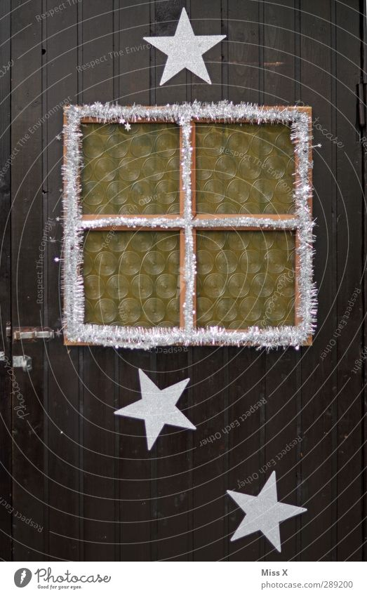 Da schaut der Niko raus Weihnachten & Advent Fenster braun Tür Dekoration & Verzierung Stern (Symbol) Hütte Jahrmarkt silber Fensterscheibe Weihnachtsdekoration Girlande Holztür