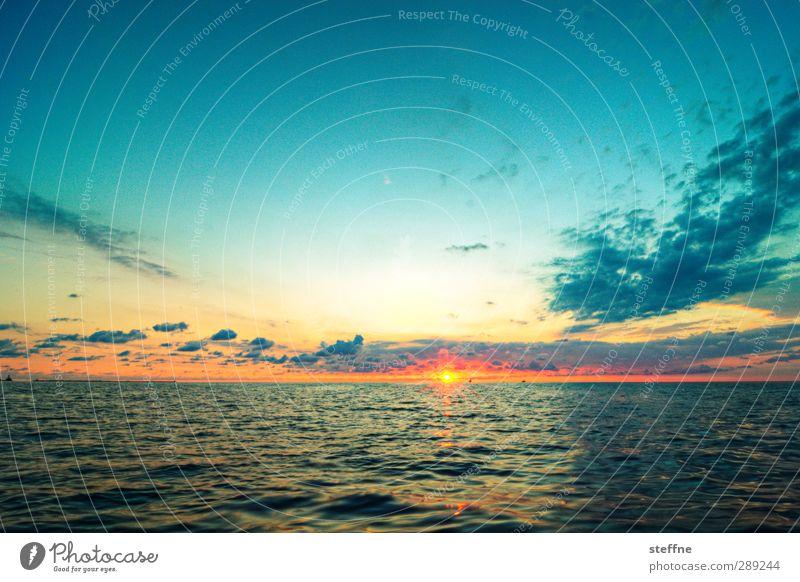 Übern großen Teich Natur Landschaft Wasser Himmel Sonne Sonnenaufgang Sonnenuntergang Schönes Wetter Meer See Michigan See ästhetisch Kitsch Weitwinkel Farbfoto