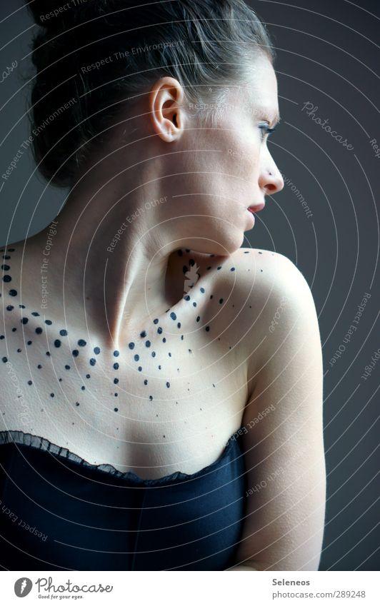 auf zur Festlichkeit Körper Haare & Frisuren Haut Gesicht Kosmetik Schminke Mensch feminin Frau Erwachsene Kopf Auge Ohr Nase Mund 1 Accessoire Tattoo Piercing
