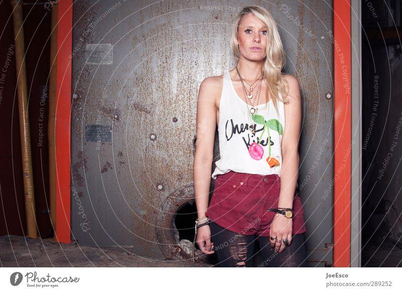 #232800 Mensch Frau Jugendliche schön Stadt Erholung 18-30 Jahre Erwachsene Leben Stil Mode träumen Wohnung Kraft blond Lifestyle