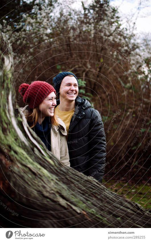 Lachen Ausflug Junge Frau Jugendliche Junger Mann Geschwister Freundschaft Paar Partner Leben 2 Mensch 18-30 Jahre Erwachsene Umwelt Garten Park Freude Glück